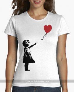 Camiseta chica Niña con globo en forma de corazon