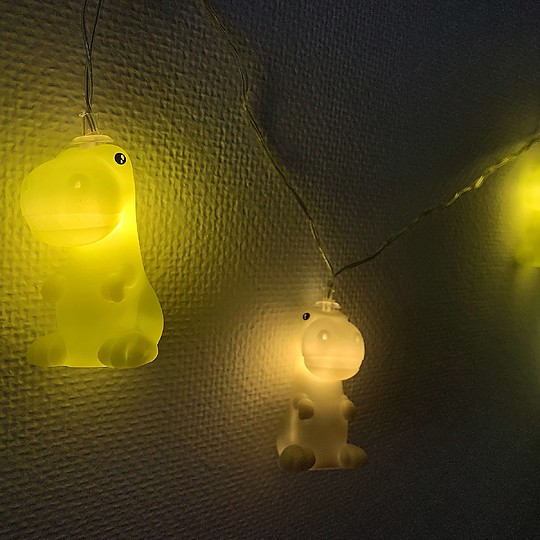 guirnalda luminosa de minidinosaurios
