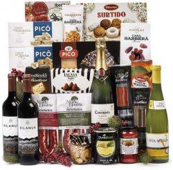 Cesta de Navidad Sadival con ibericos cava vino turrones dulces y productos variados